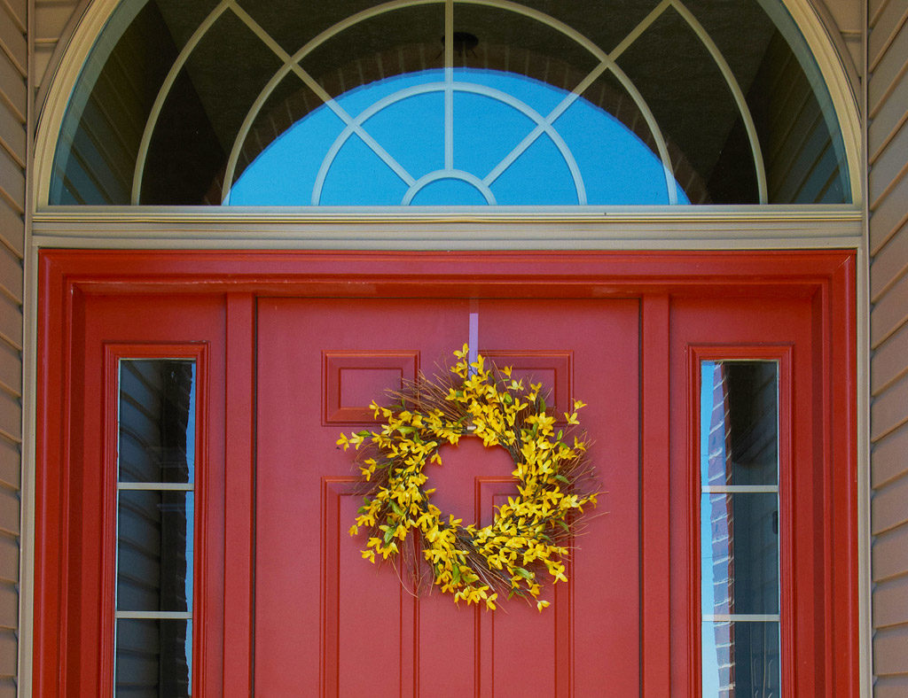 Custom front door decoration ideas