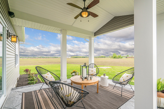 Home Feature Series: The Perfect Outdoor Deck